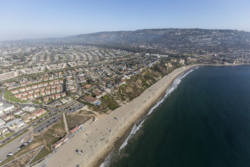 Spoed Fotobehang Luchtfoto Aerial view of Torrance Beach and Rancho Palos Verdes in Los Angeles County, California.