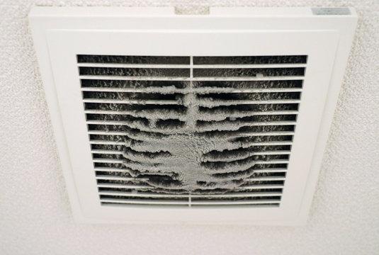 排気口の埃/Dust of the vent
