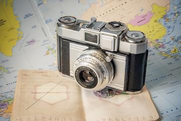 appareil photo vintage voyage passeport