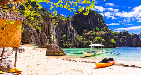 Fototapete - Island hopping - inceredible El Nido, wild beauty of Philippines island