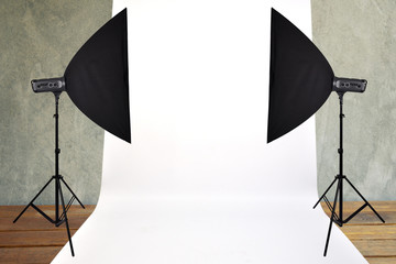 Studio light and white background for photography.