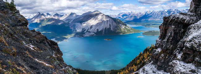Wall Murals Mountains panorama of canadian rockies with blue green lake and mountains