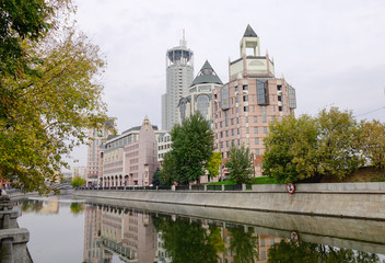 Buildings located in Moscow