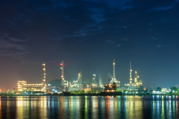 Illuminated of oil and gas refinery plant