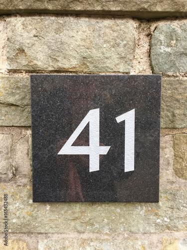 Hausnummer 41 Auf Einer Granitplatte Auf Einer Gemauerten Wand