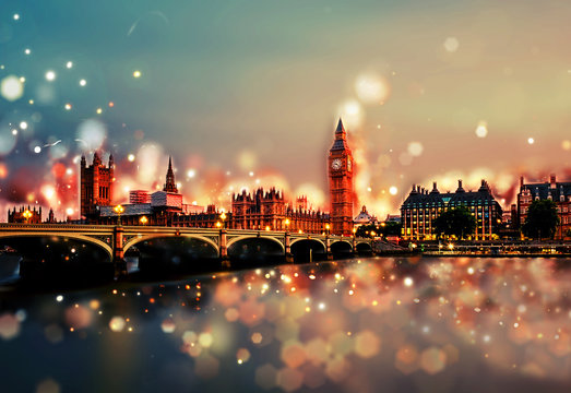 City of London by Night - Tower Bridge, Big Ben, Sunset - Bokeh, Lens Flares, Camera Blur