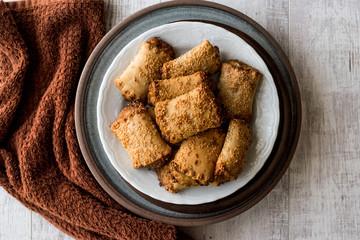 Pastries with Tahini and Sesame / Tahinli Corek
