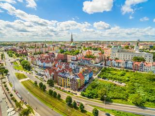 Szczecin - nabrzeże Wielickie i stare miasto z zamkiem królewskim widziane z powietrza.