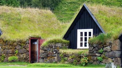Freilichtmuseum traditioneller Häuser bei Skogar Island