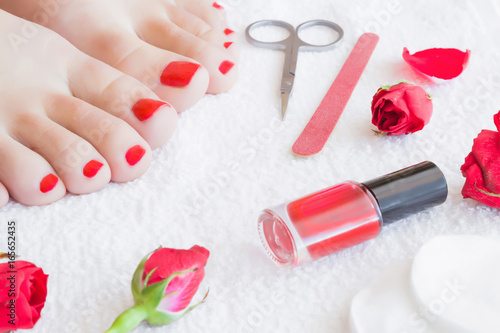 Cares About Woman S Foot Nails Pedicure Beauty Salon Scissors Nail File Red