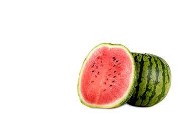 Wassermelone mit Textfreiraum isoliert auf weißem Hintergrund