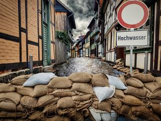 Hochwasser und Sandsäcke