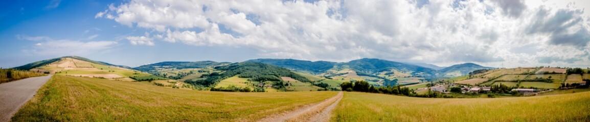 Panorama de la campagne dans le Parc Naturel Régional du Pilat