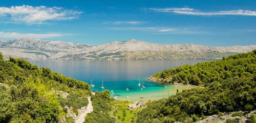 Fototapeta Piaszczysta plaża Lovrecina na wyspie Brac w Chorwacji