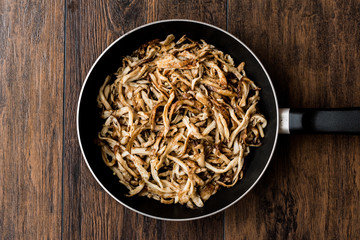 Beech mushroom in pan / Shimeji