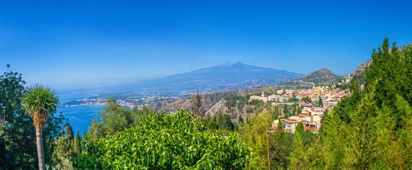 Taormina and Etna, Sicily. Fototapete