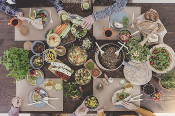 Preparing an ecological meal