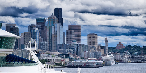 seattle city skyline from pier 91