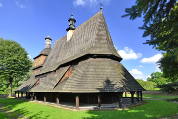 Foto auf Gartenposter Denkmal wooden church from XVI century in Sekowa, Poland