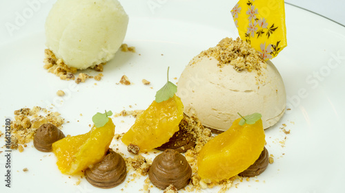 Haselnusseis Gourmet Kuche Stock Photo And Royalty Free Images On