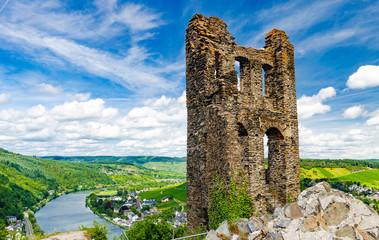 Papiers peints Ruine Ruine der Grevenburg, Wahrzeichen von Traben-Trarbach an der Mosel, Rheinland-Pfalz