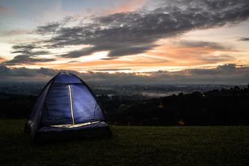 acampar (camping)