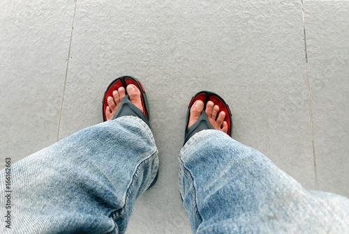 drop something on top of foot - 500×336