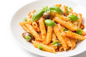 Penne con sugo al pomodoro, olive, basilico e formaggio, Italian Pasta