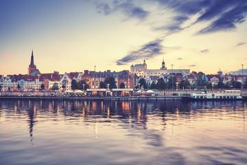 Obraz Szczecin o zachodzie słońca - fototapety do salonu