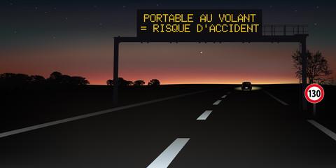 autoroute - signalisation routière - panneau - portable au volant - sécurité routière