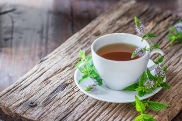 Tee - Minze - Pfefferminze - Mentha - Kräuter - Naturheilkunde -