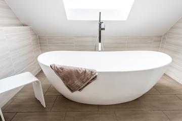 Freistehende Badewanne im Neubau
