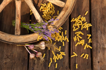 Macaroni and lavender with cartwheel
