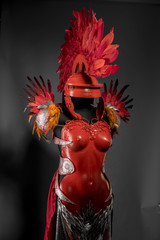 Costume Praetorian, red armor for women with Roman helmet, adaptation of the classic style to one of fantasy.