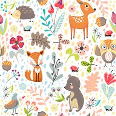 Bezszwowe tło ze zwierzętami leśnymi