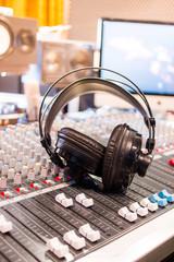 Tonstudio, Mischpult und Kopfhörer