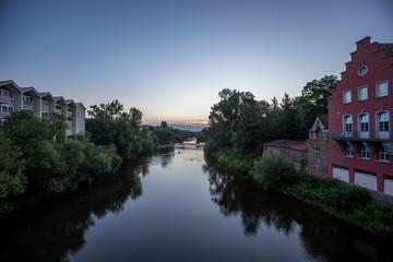 Die Nahe in Bad Kreuznach an einem Sommermorgen