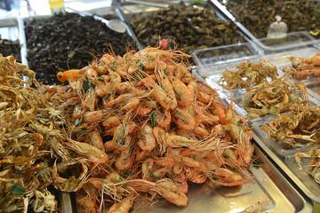 Garküche und asiatisches Essen in Asien,