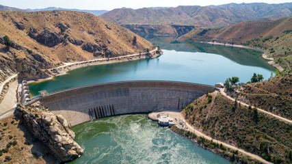 Deurstickers Dam Hydroelectric Dam in Idaho beautiful view of both sides