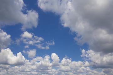 Wolkenbild an einem Sommertag im Detail