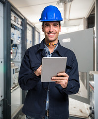 Electrician using a tablet