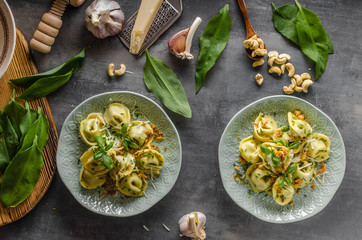 Stuffed Tortellini garlic and spinach