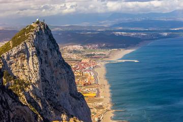 Blick vom Fels von Gibraltar auf die Mittelmeerküste und das spanische Festland
