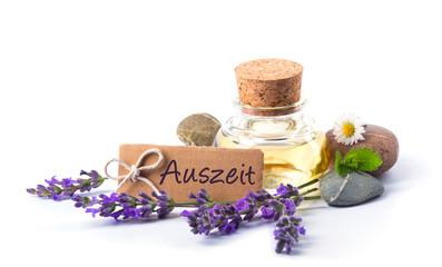 Auszeit  -  Freisteller  -  Lavendelöl, Lavendel, Blüten