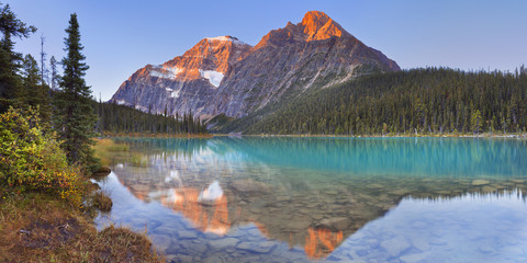 Wall Mural - Mount Edith Cavell and lake, Jasper NP, Canada at sunrise