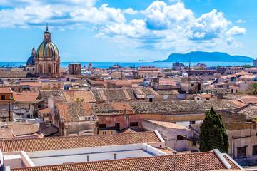 La pose en embrasure Palerme Cityscape of Palermo in Italy