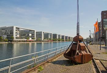 Duisburg Innenhafen mit Kran - Ruhrgebiet