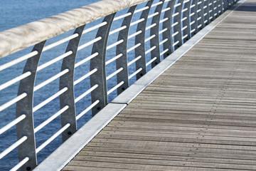 Geländer Ausschnitt einer Seebrücke