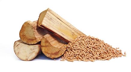 Bûches de bois et granulés de bois