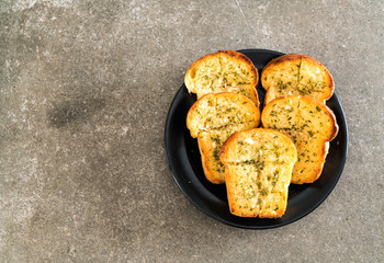 garlic bread on plate